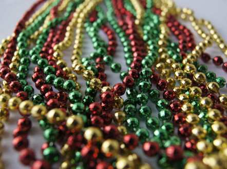 How To Choose Your Last Minute Christmas Beads and New Years Throws